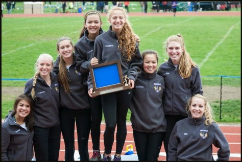 district-team-champions-girls-podium-2014