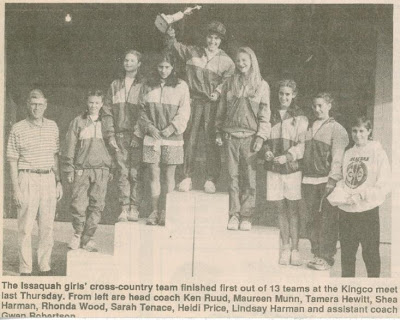 xc-1993-girls-team-on-kingco-podium-press-last-team-title